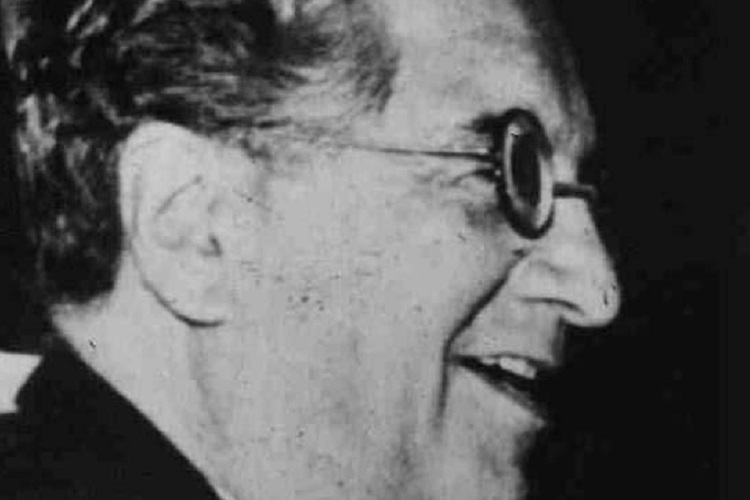 Víctor Domingo Silva